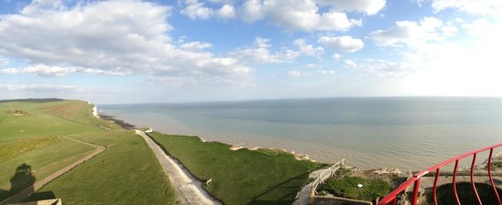Belle Tout Lighthouse: lovely weather for April