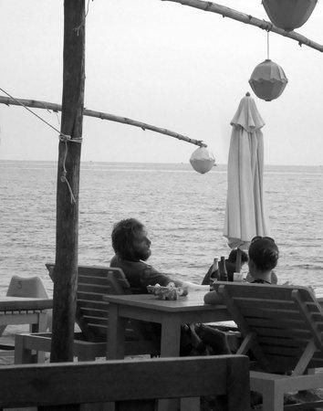 Rory's Beach Bar : Sunset
