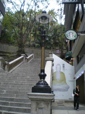 Colonial Duddell Street Steps: ガス灯