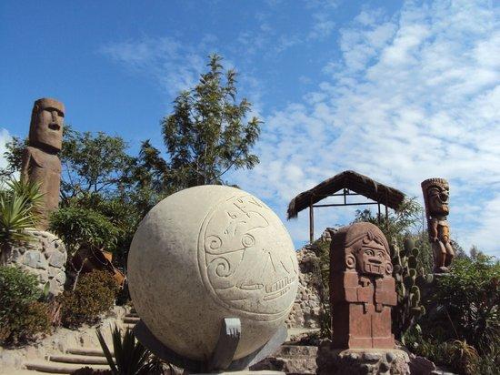 Intinan Museum: monumentos