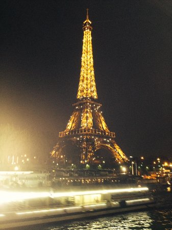 Le VIP Paris Yacht Hotel : Paris éternel