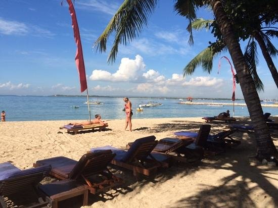 Mercure Resort Sanur : the beach at mercure resort, nice and clean!