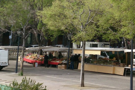 Adonis Marseille Vieux Port : Рыночек