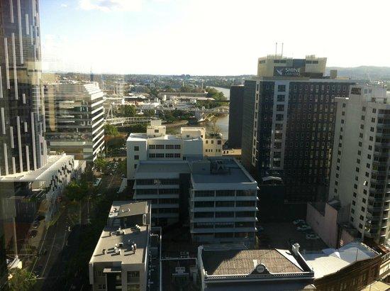 Hotel Jen Brisbane By Shangri-La: Easy access to Southbank - via the Kurilpa bridge