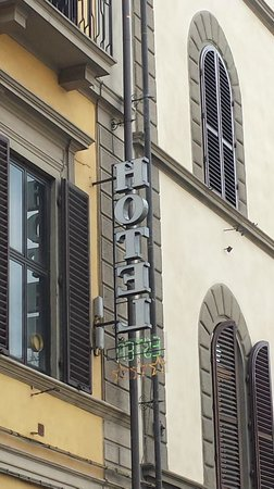 Hotel Ester: street sign