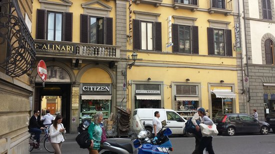 Hotel Ester: entrance