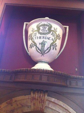 Musée de l'Hôtel-Dieu : Theriac.  To cure your ills...or kill you!
