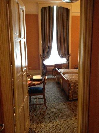 Hotel Metropole: Huge room on the first floor