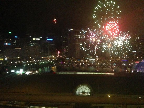 Ibis Sydney Darling Harbour : Fireworks show from our room