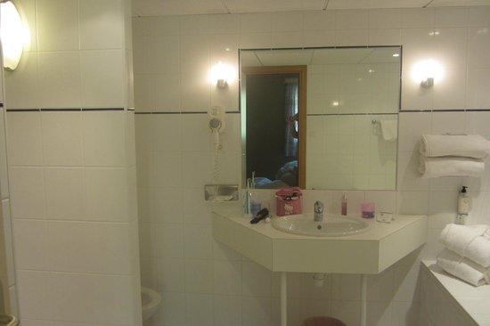 Best Western Hotel Le Schoenenbourg: salle de bain
