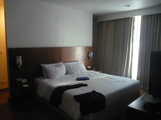 Somerset Lake Point Bangkok : bedroom