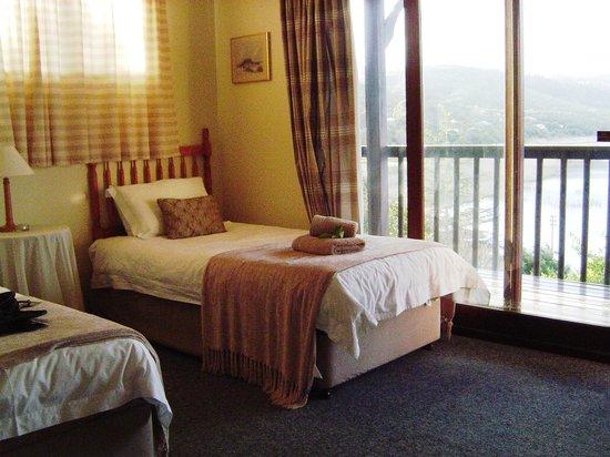 Phantom View Lodges : Downstairs Bedroom