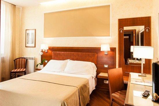 Hotel Madrid: superior double room