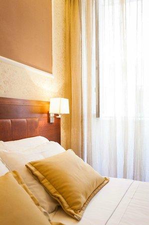 Hotel Madrid: ROOM