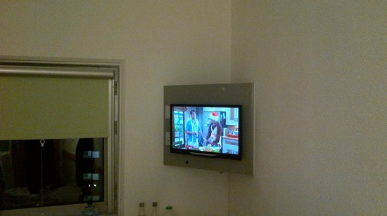 Hotel ibis budget Birmingham Airport: Tiny television awkward angle to watch