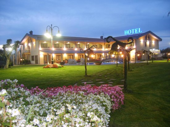 Risultati immagini per hotel villa sofia viterbo