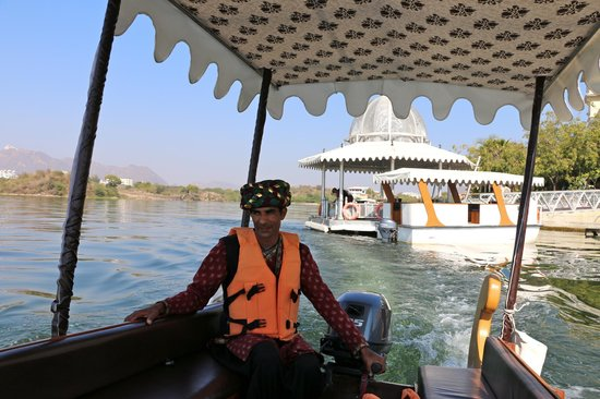 The Leela Palace Udaipur: Our boat ride from the hotel