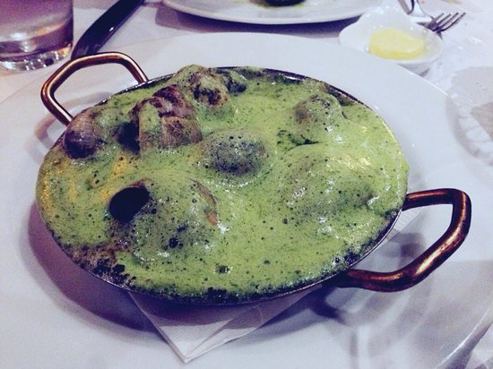 Bistro Thierry: Garlic Snails, love the colour and taste. Personal opinion, it will be batter if added bit more