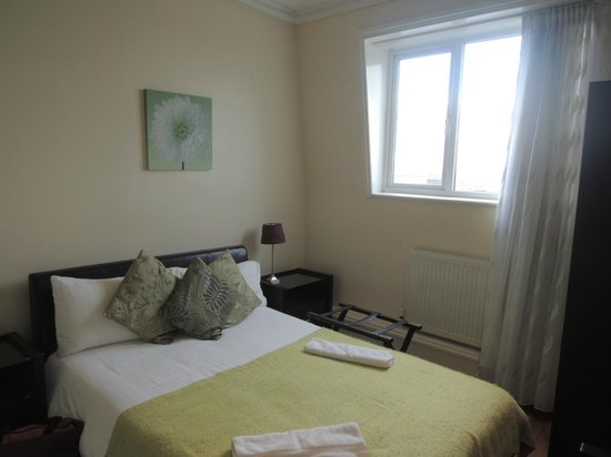 Hotel Makedonia Ltd: 初日の部屋