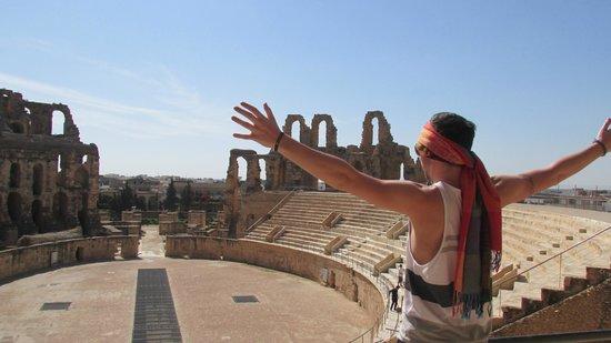SENTIDO Phenicia: El Jam roman collosium