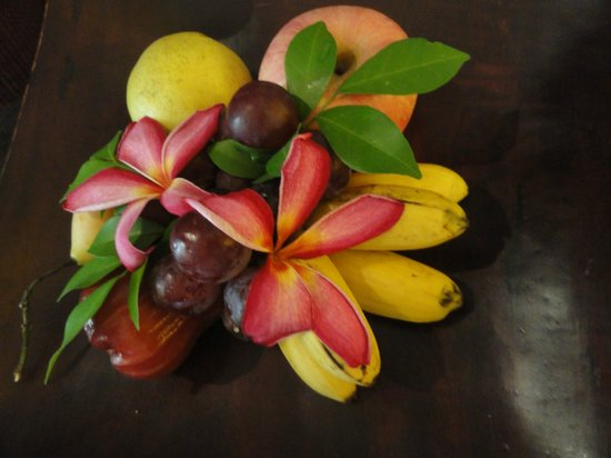 The Bayview Hotel: Fruits in the room