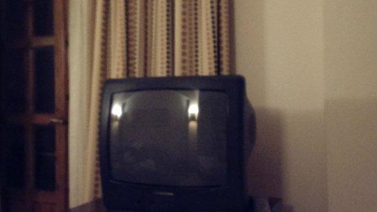 Hotel Sultan Bey Resort: Old broken TV