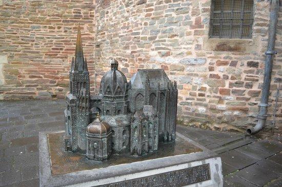 Aachener Dom: Макет собора