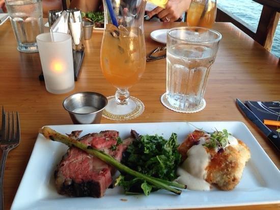 Hawaii Tasting Tours: The Lahaina Fish Co. - Macadamia Nut crusted Mahi Mahi; Angus Prime Rib; Lahaina MaiTai