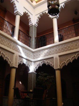 Riad Dar Mimouna Hotel : Inside the Riad