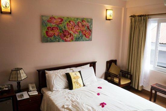 Holiday Diamond Hotel : Room