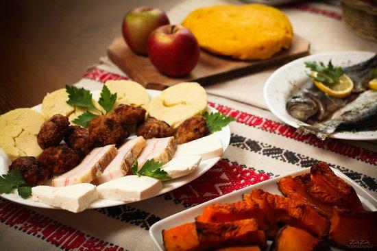 Cartisoara, Romania: traditional food
