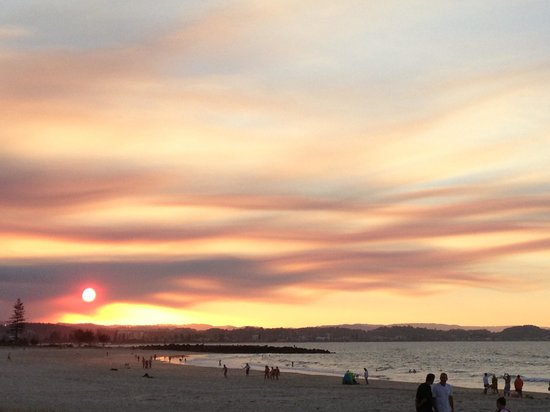 Coolangatta Beach: Coolangatta sunset