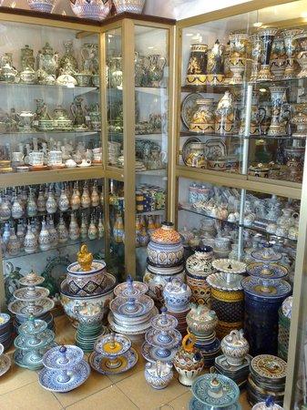 Spain ceramics picture of exposition artesania de for Artesanias de espana