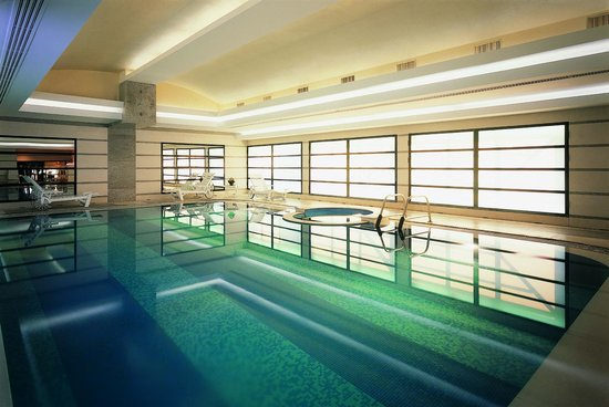 Hotel Principe Di Savoia: Club 10, the swimming pool