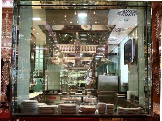 Hotel Principe Di Savoia: Acanto Show Kitchen