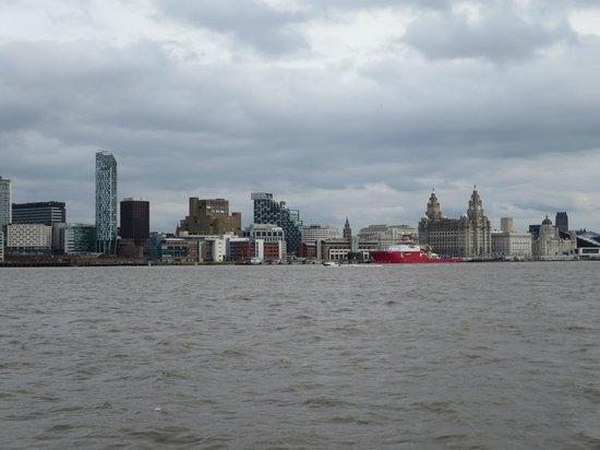 Albert Dock : WE ARE SAILING
