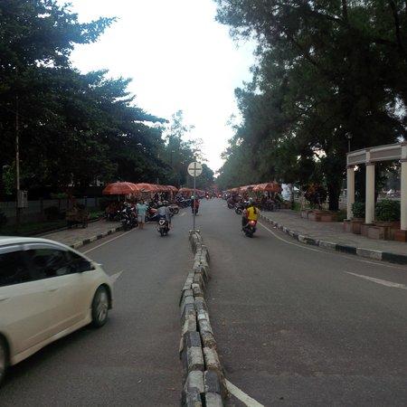 Cafe Payung Murdjani Banjarbaru Picture Of Lapangan Murdjani