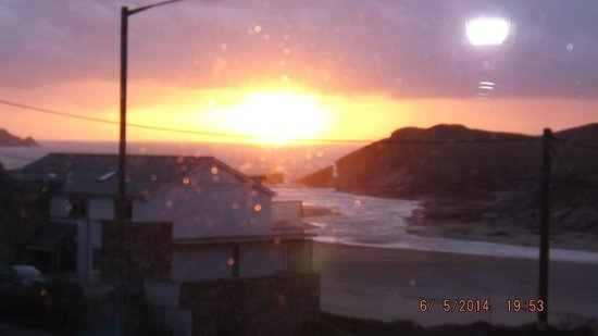 The Cove Guesthouse: Sunset At Porth - Viewed from Room 2
