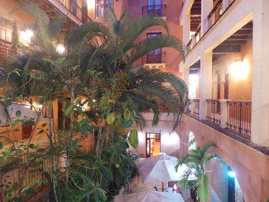 Boutique Hotel Palacio: patio intérieur 02