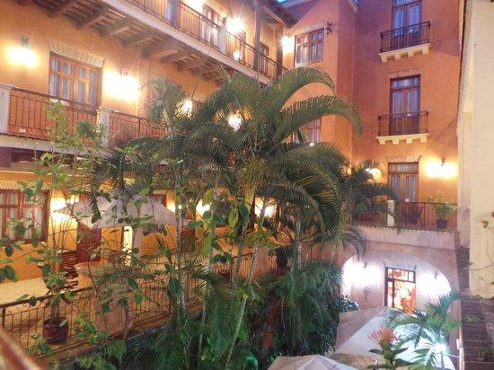 Boutique Hotel Palacio: patio intérieur 01