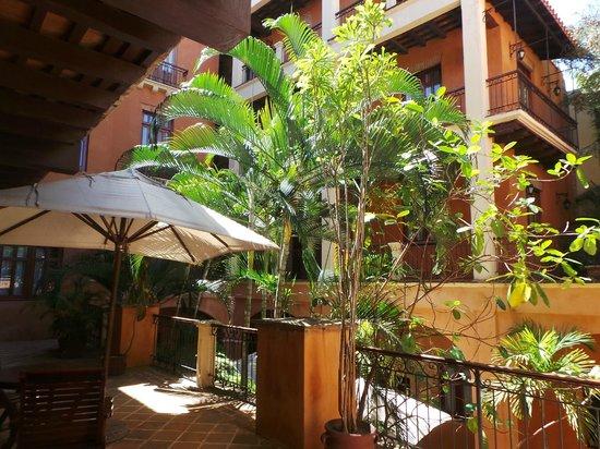 Boutique Hotel Palacio: patio de jour