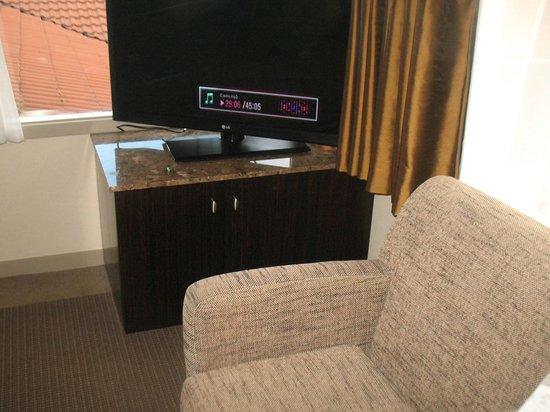 Copthorne Hotel and Resort Queenstown Lakefront: TV