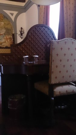 B4 Astoria Firenze: bureau tv mini bar