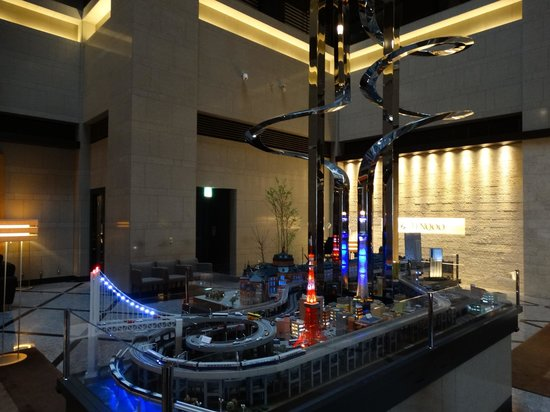 Hotel Metropolitan Tokyo Marunouchi: The model of the landmarks of Tokyo and area around Tokyo Station