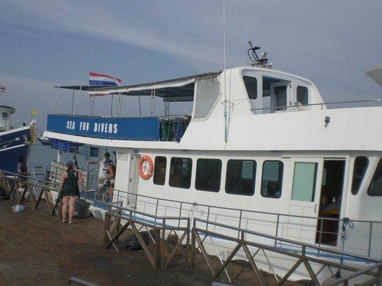 Sea Fun Divers - Day Trips: Sea Fun Divers boat