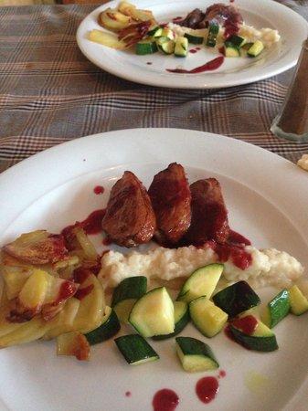 Langley Hotel Tignes 2100 : Duck for dinner