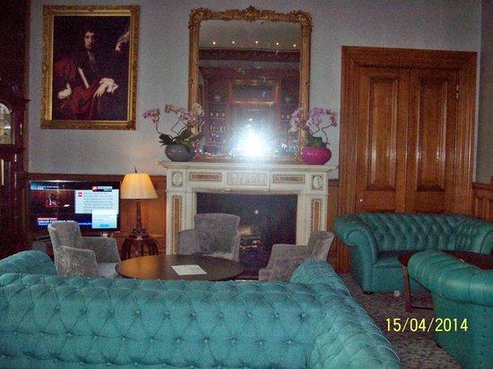 Grange Strathmore Hotel : Lounge bar
