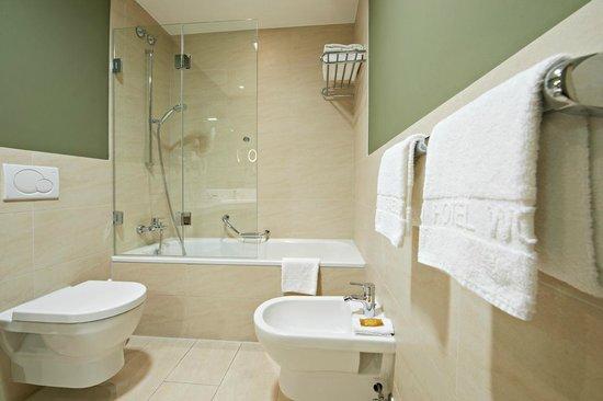 Eden Hotel Wolff: Beispiel Badezimmer
