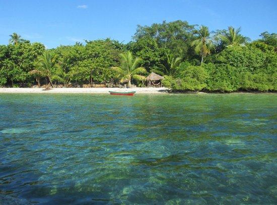 Wakatobi Hoga Diving: Uitzicht op Hoga Island Dive Resort