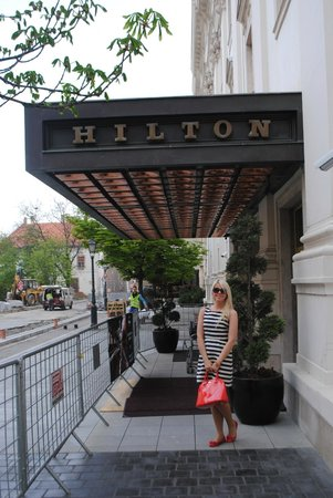 Hilton Budapest: In front of the hotel